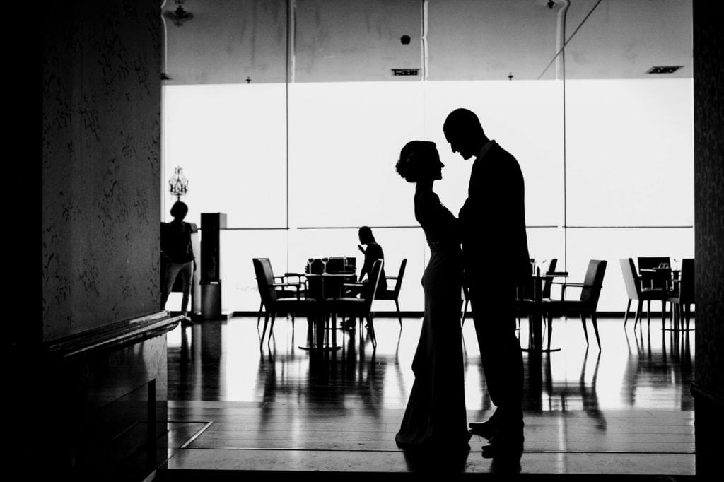 a wedding day silhouette in Tel Aviv